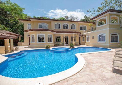 Luxury Villas Rentals at the best Costa Rica fishing resorts